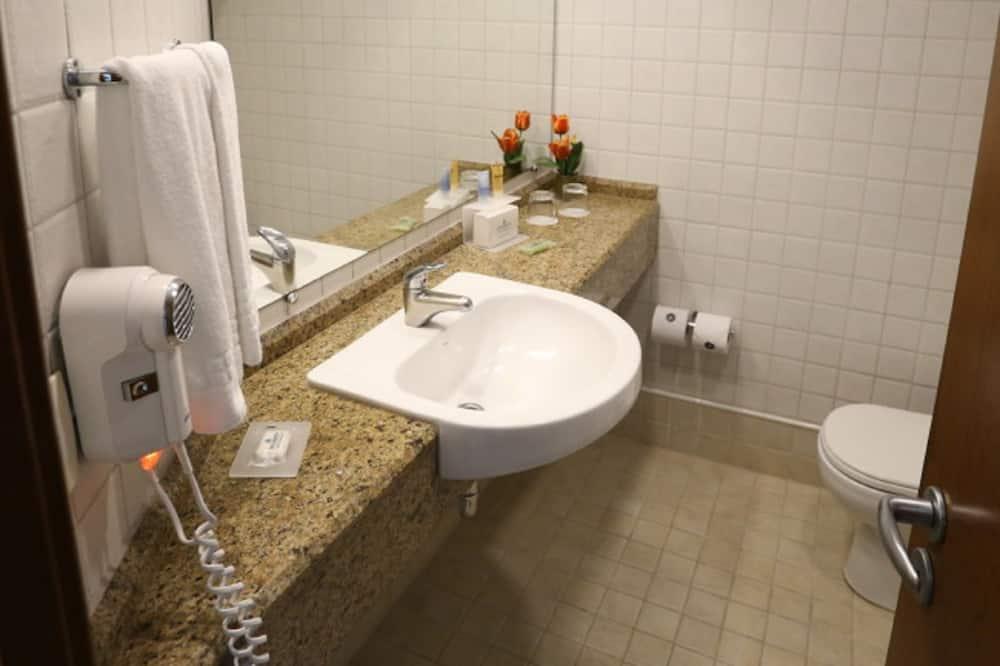 Superior Double Room (Plus) - Bathroom