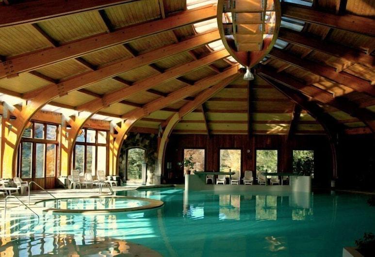 Malalcahuello Thermal Hotel & Spa, Curacautin, בריכה מקורה
