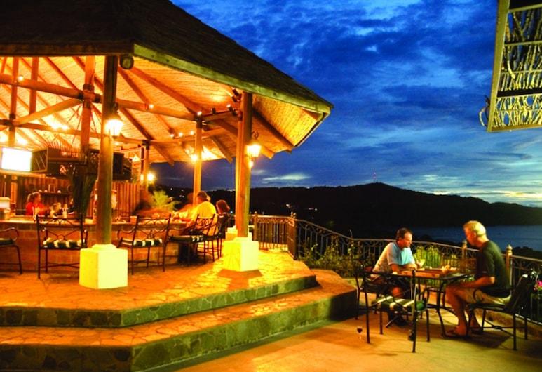 Villas Sol Hotel And Beach Resort - All Inclusive, פלאיה הרמוסה, בר המלון