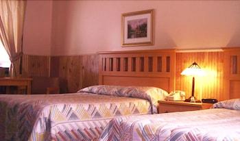 תמונה של Woodlake Inn בלייק פלאסיד