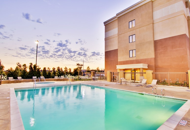 SpringHill Suites by Marriott Fresno, Fresno, Outdoor Pool