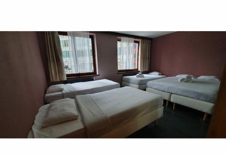 Hotel Albergo, BRUSEL, Štvorlôžková izba, Hosťovská izba