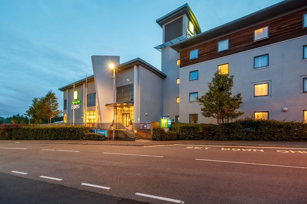 Holiday Inn Express Walsall M6J10