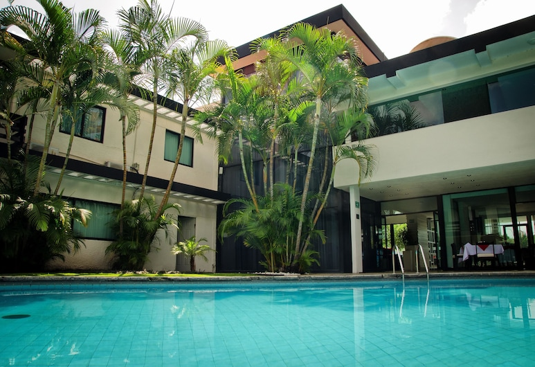 波多諾伏廣場展覽中心酒店, 薩波潘, 室外泳池