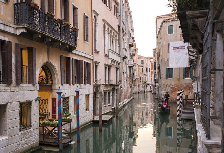 Hotel Becher, Venedig, Hotelfassade