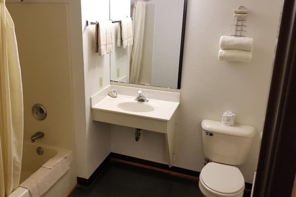 客房, 1 張加大雙人床及 1 張梳化床 - 浴室