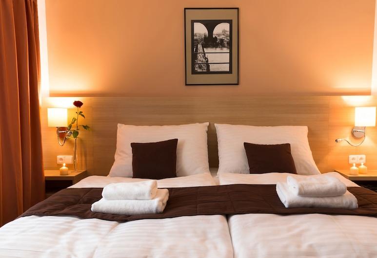 Hotel Karlin, Prag, Deluxe Tek Büyük Yataklı Oda, Oda