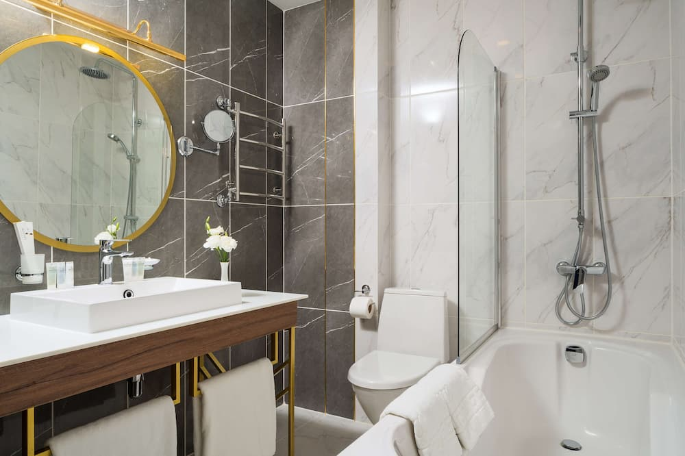 Suite Junior, 1 très grand lit - Salle de bain