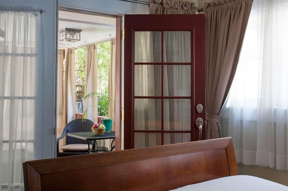 Suite, 1 Queen-Bett, Terrasse (Spring) - Blick auf den Garten