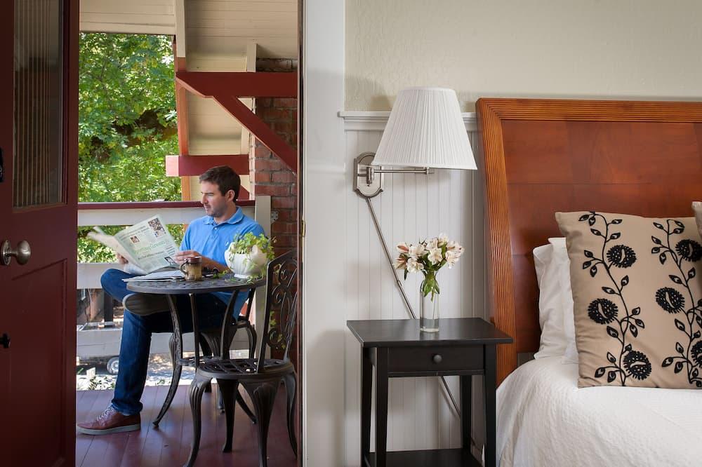 Zimmer, 1King-Bett, Whirlpool (Diamond) - Blick auf den Garten