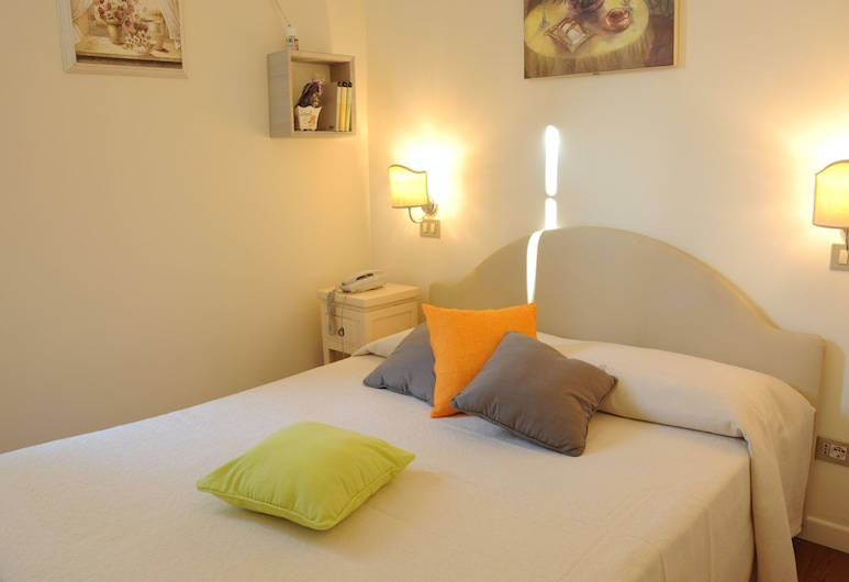 95 Rooms in Rome, Rom