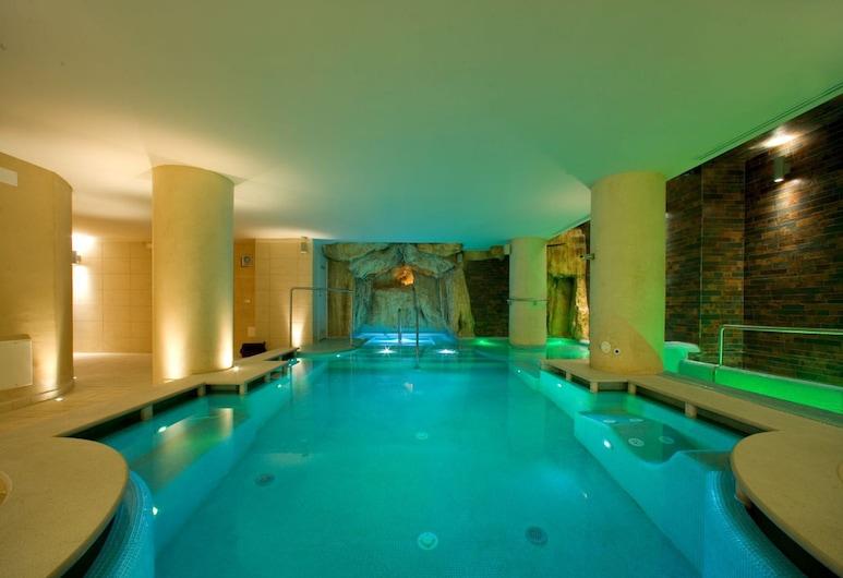 Ulisse Deluxe Hostel, Sorrento, Massaaživann siseruumides