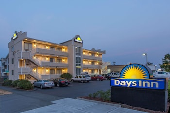 Picture of Days Inn by Wyndham Seattle North of Downtown in Seattle