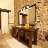 Suite, 2 Queen Beds - Bathroom