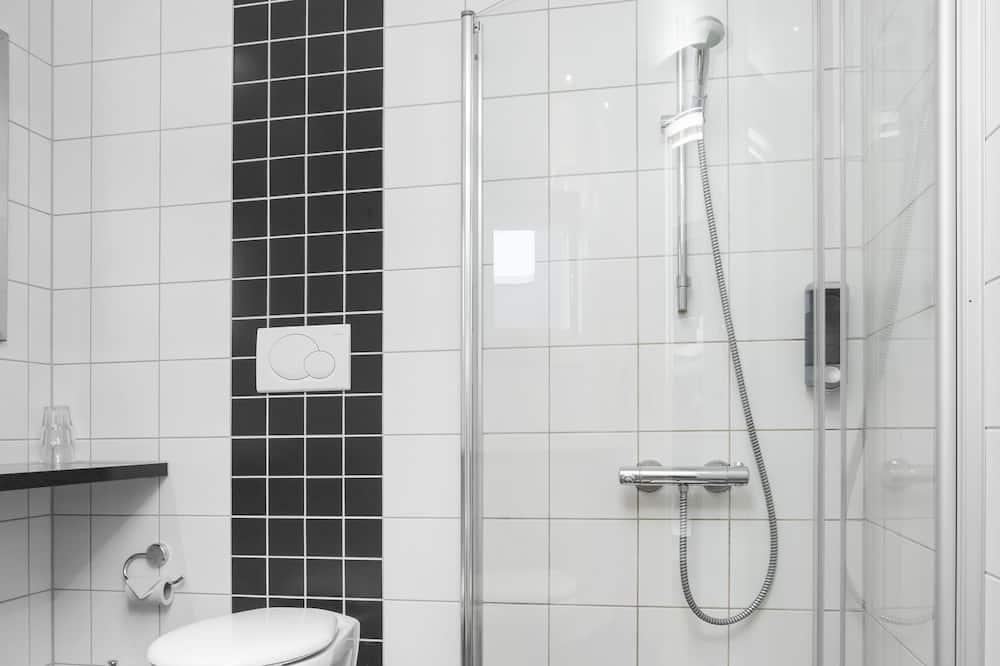 ห้องแฟมิลี่ (Budget) - ห้องน้ำ