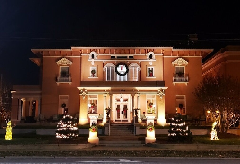 JH Adams Inn, Trademark Collection by Wyndham, High Point, Hotel Front – Evening/Night