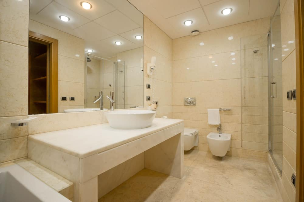 ห้องจูเนียร์สวีท (2 pax) - ห้องน้ำ