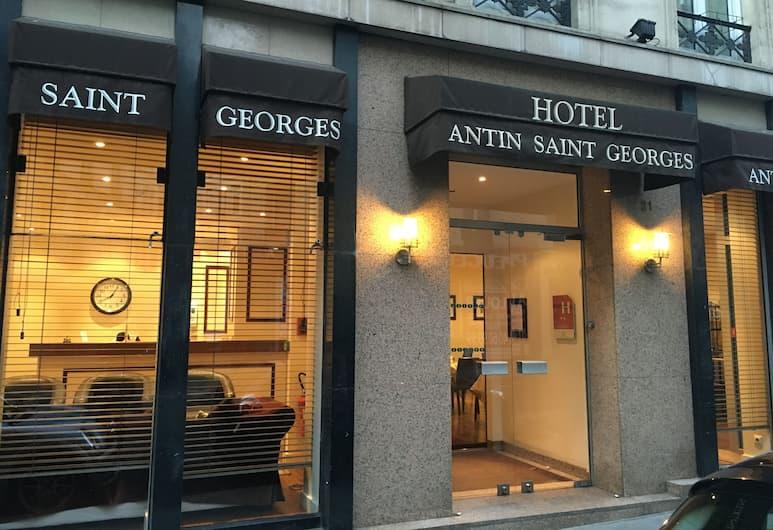 Hotel Antin Saint-Georges, Paris, Hotel Entrance