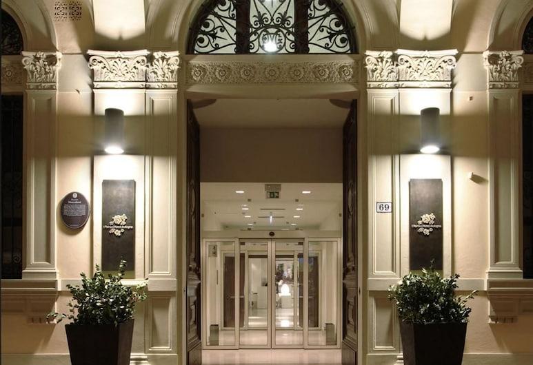 I Portici Hotel, Bologna, Facciata hotel (sera/notte)