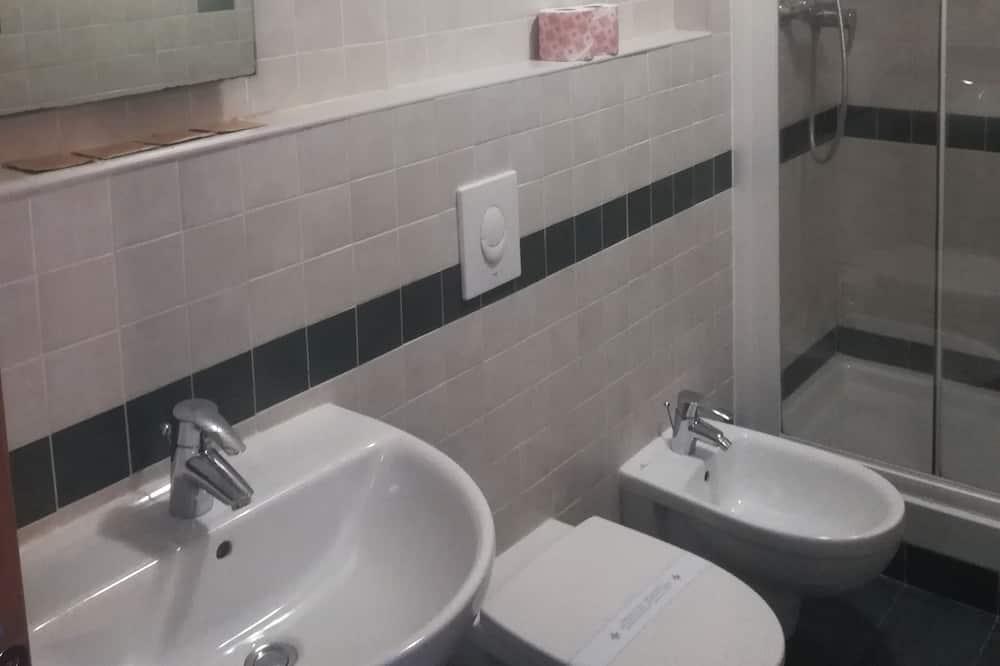 Apartment, 1 Bedroom, Kitchenette - Bathroom
