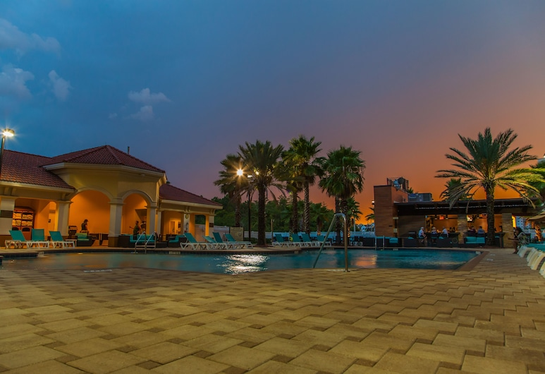 The Point Hotel & Suites, Orlando, Outdoor Pool
