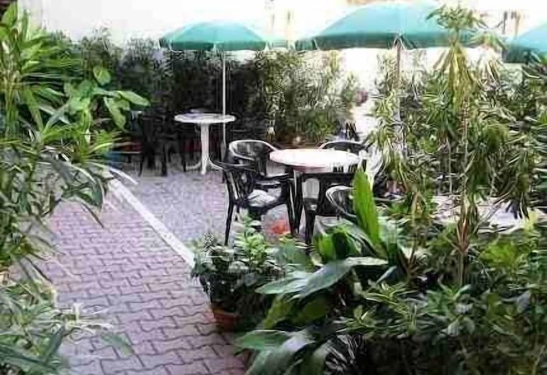 Hotel Massimo, Viareggio, Terraza o patio