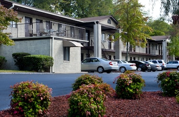 Picture of Affordable Corporate Suites - Florist Road in Roanoke