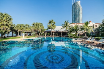 Picture of Ravindra Beach Resort And Spa in Sattahip
