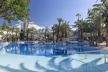 Enter your dates for special Alcudia last minute prices