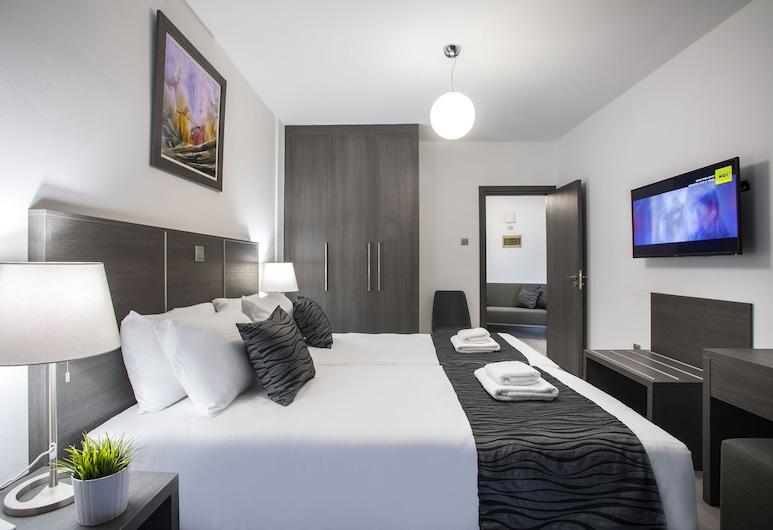 Blazer Residence, Larnaca, Superior Apartment, 3 Bedrooms, Balcony, City View, Room