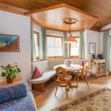 Apartment, 1 Schlafzimmer, Balkon, Bergblick (Härmele) - Wohnbereich