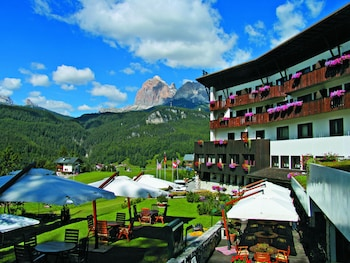 Enter your dates to get the Cortina d'Ampezzo hotel deal