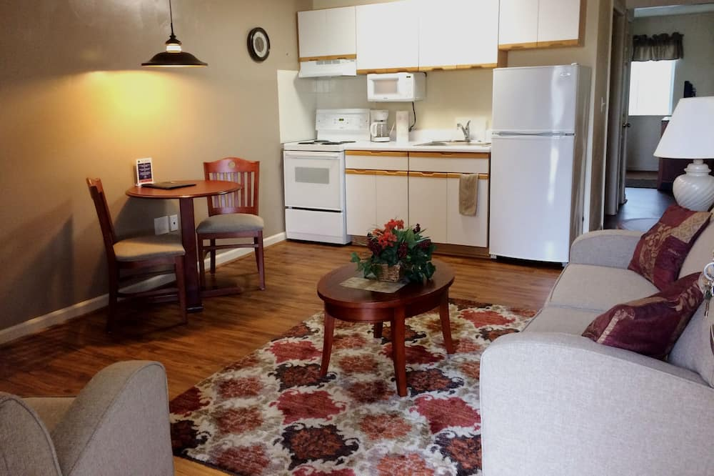Suite, 1 Bedroom, Kitchen (Mobile) - Living Room