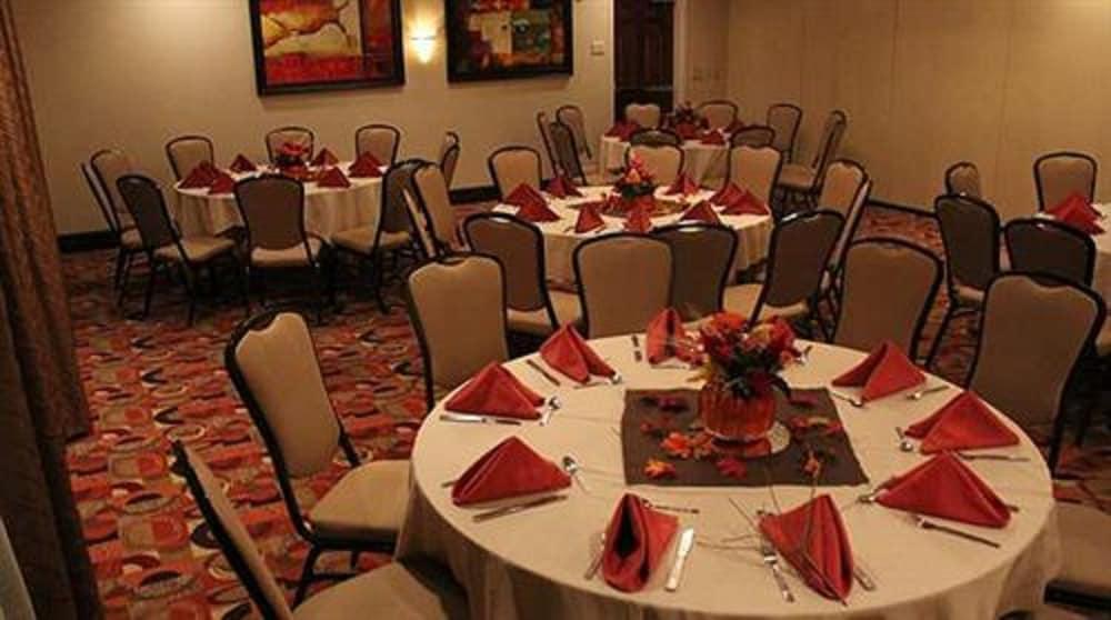 hilton garden inn cincinnati blue ash cincinnati banquet hall - Hilton Garden Inn Blue Ash
