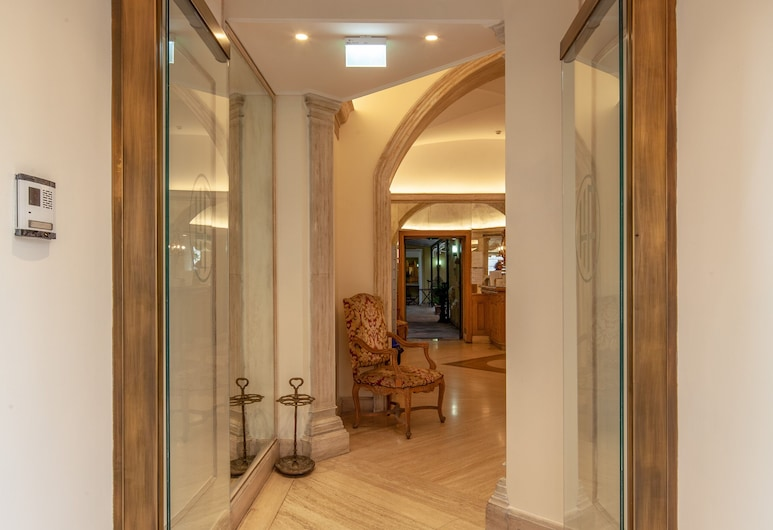 호텔 플라비아, 로마, 내부 입구