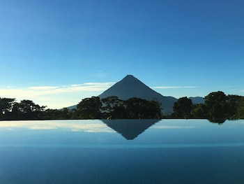 Picture of Hotel Arenal Lodge in La Fortuna