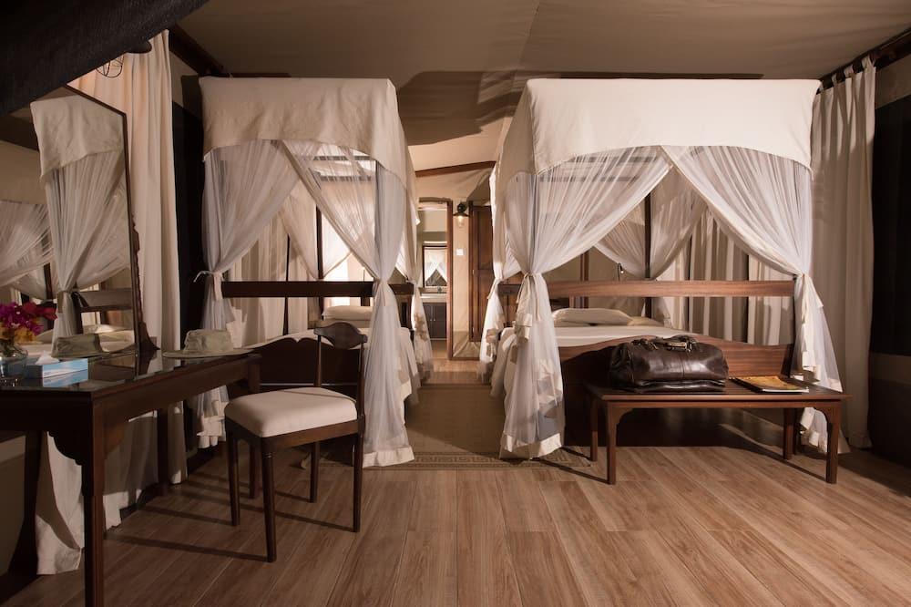 Luxury-telttamajoitus, Jokinäköala - Huone