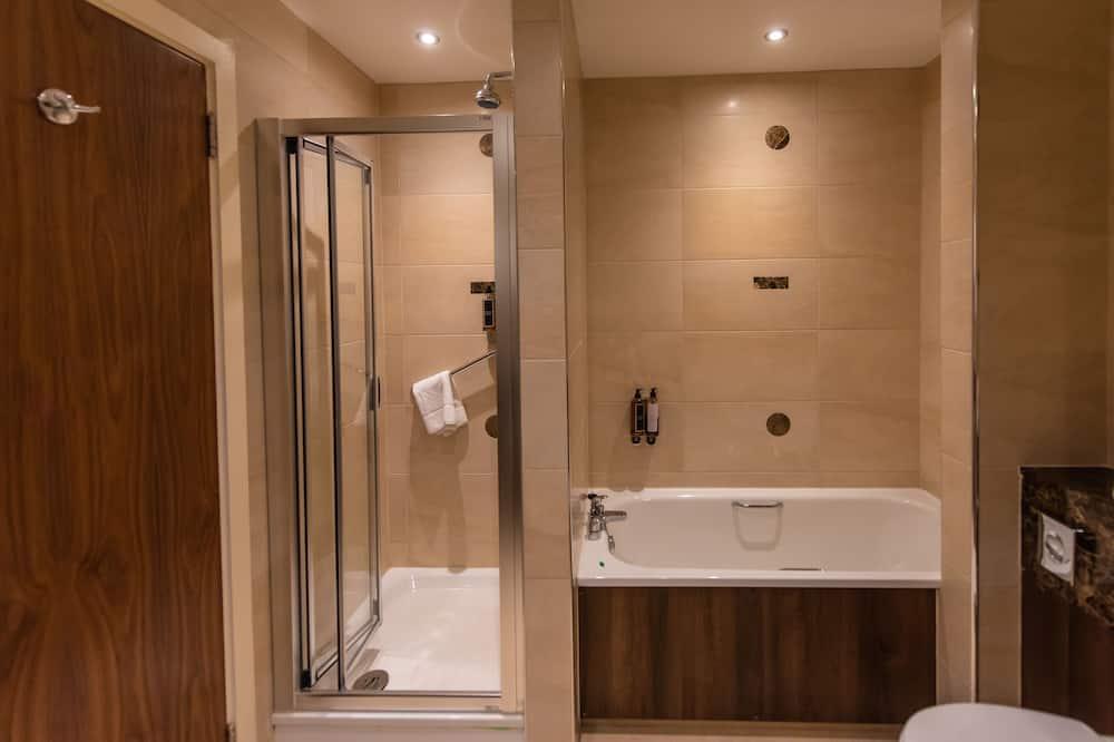 Trivietis kambarys šeimai - Vonios kambarys
