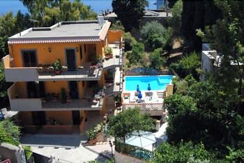 Picture of Villa Il Glicine Residence in Taormina