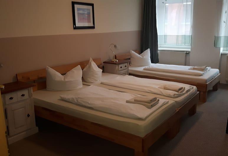 Hotel Plagwitzer Hof, Leipzig, Dreibettzimmer, Zimmer
