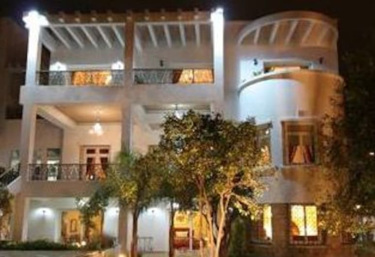 Jnane Sherazade, Kasablanka, Viešbučio fasadas