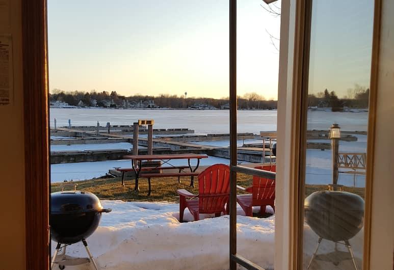 Snug Harbor Inn, Стержн-Бей, Коттедж «Классик», 2 спальни, кухня, вид на залив, Вид на озеро