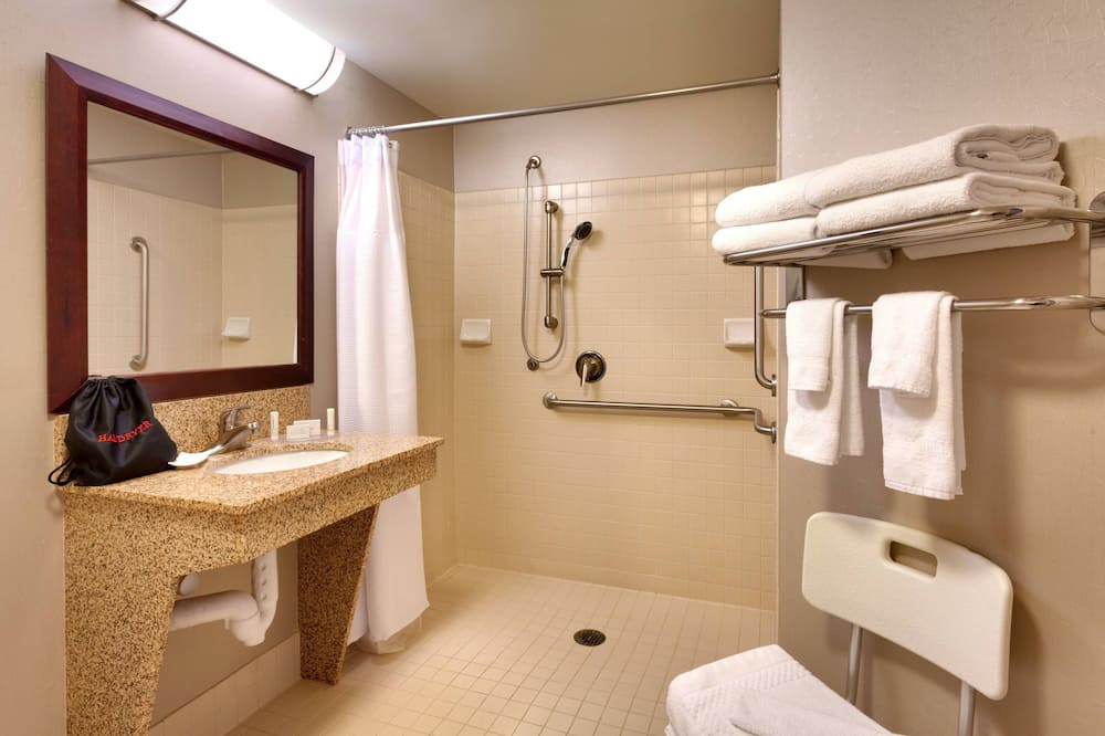 Studio, 2 Double Beds, Non Smoking - Bathroom