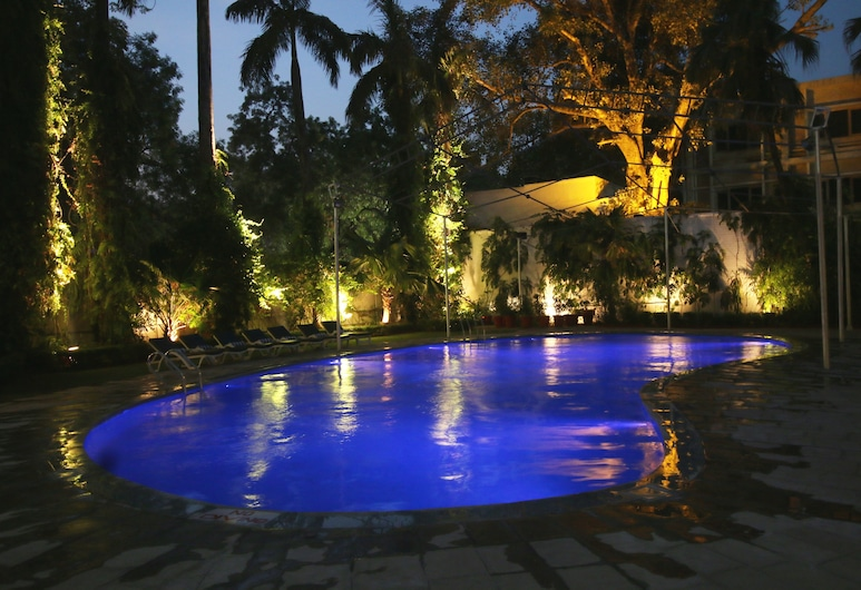 Hotel Clarks, Varanasi, Hồ bơi ngoài trời