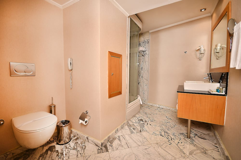 Deluxe-Einzelzimmer, Eckzimmer - Badezimmer