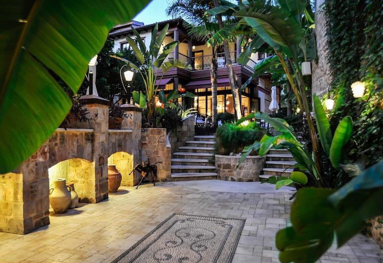 Tuvana Hotel - Special Class, Antalya, Trädgård