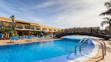 Hotele La Oliva, Baza noclegowa - La Oliva, Rezerwacje Online Hotelu - La Oliva