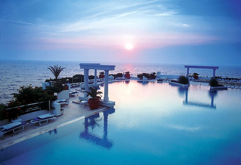 Korumar Deluxe Hotel, Kusadasi, Outdoor Pool