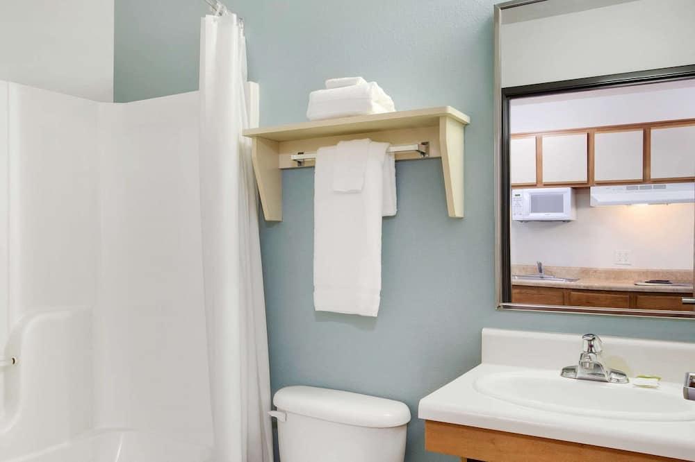 Standartinio tipo kambarys, 1 standartinė dvigulė lova, Nerūkantiesiems - Vonios kambarys