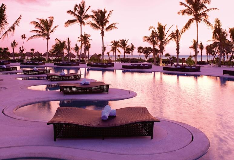 Secrets Maroma Beach Riviera Cancun - Adults Only - All Inclusive, Playa del Carmen, Piscina con borde infinito